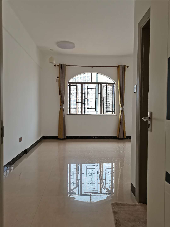 清华园电梯四房二厅仅80万