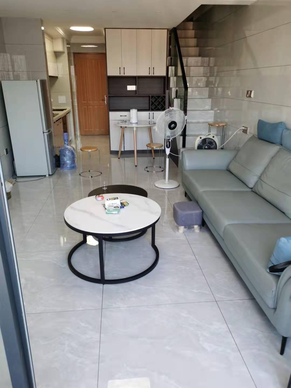 清华坊复式公寓出租